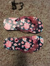Girl flip flops size 13 in Bolingbrook, Illinois