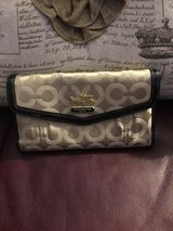 Coach Billfold Checkbook Wallet in Aurora, Illinois
