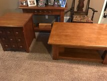 Coffee and End table in Fort Leonard Wood, Missouri