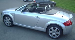 AUDI TT Roadster (Convertible) in Vicenza, Italy