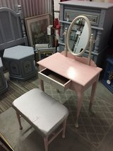 PINK VANITY W/BENCH in Camp Lejeune, North Carolina