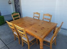 Dining Room Table for 6 in Travis AFB, California
