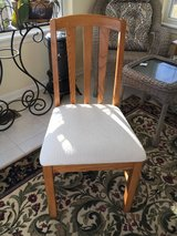 Oak padded desk chair in Bolingbrook, Illinois