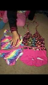 girls 2t swim suits both for $10 excellent condition used once in Hinesville, Georgia
