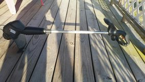 Black & Decker electric weed wacker with brand new string in Camp Lejeune, North Carolina