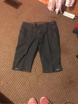 lee capris size 18W in Fort Leonard Wood, Missouri