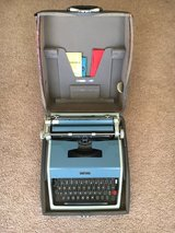 Vintage Underwood Olivetti Portable Typewriter With Case - WORKS! in Beaufort, South Carolina