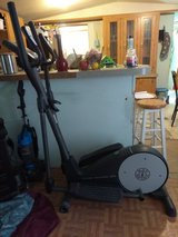 Gold Gyms Stride Trainer 380 Elliptical in Fort Polk, Louisiana