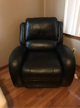 Black Leather Electric Recliner Chair in Fort Knox, Kentucky