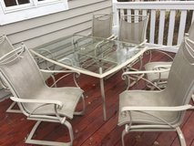 Patio Table & 6 Chairs in Bolingbrook, Illinois