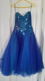 BEAUTIFUL DRESS GREAT FOR PROM SIZE SMALL in Joliet, Illinois