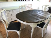 Dining table 4 chairs in Fort Belvoir, Virginia