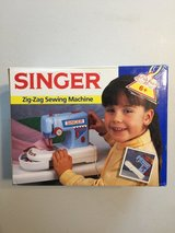 Childs Singer Zig Zag Sewing Machine with accessories in Fort Riley, Kansas
