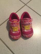 Toddler ASICS Size 6 in Ramstein, Germany