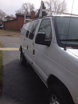 03 ford e 350 in Orland Park, Illinois