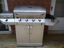 Large Char Broil Gas Grill in Fairfax, Virginia