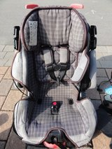 Eddie Bauer Car Seat in Ramstein, Germany