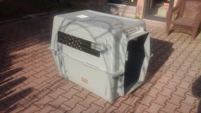 Sky Kennel dog crate Giant in Ramstein, Germany