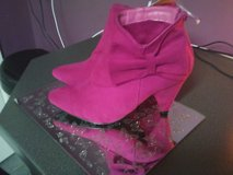 pink boots  new size 3 in Lakenheath, UK