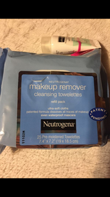 Neutrogena 25 ct Facial Cleansers/ Makeup Remover in Tacoma, Washington