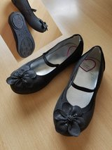 Shoes Ballerinas Stride Rite size 9.5 in Fort Campbell, Kentucky