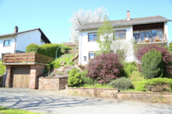 SALE: Wallhalben, house located in an idyllic environment with character in Ramstein, Germany