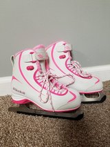 Girls riedell ice skates size 1 in Plainfield, Illinois