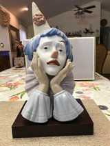 "BEAUTIFUL LLADRO PORCELAIN FIGURINE - ""JESTER WITH BASE"" – Retired - 05129 in Fort Leonard Wood, Missouri"