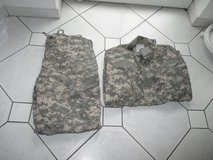 mil. uniform (pants + shirt) in Ramstein, Germany
