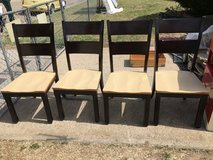 4 very nice chairs in Fort Riley, Kansas