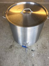26 gallon beer kettle in Travis AFB, California