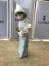 "BEAUTIFUL LLADRO PORCELAIN FIGURINE - ""GIRL WITH ROOSTER"" – Retired - 04677 in Fort Leonard Wood, Missouri"
