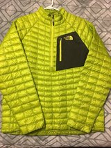 Men's The North Face Thermoball pullover jacket in Chicago, Illinois