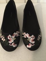 *NEW* attention Ladies Flat Shoes -Size 9 in Eglin AFB, Florida