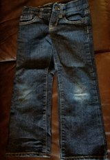 Toddler/Boys Old Navy Regularly loose boot-cut blue Jeans size 5 in Byron, Georgia