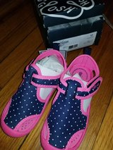 Size 12 toddler girl water shoes in Fort Leonard Wood, Missouri