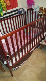 Baby crib / changing table in Barstow, California