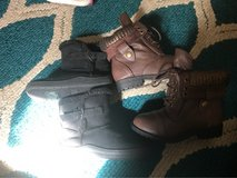 girls boots size 9 toddlers Brown are new never worn black are great condition in Hinesville, Georgia