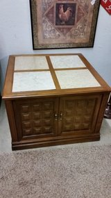 End table-large in Fort Campbell, Kentucky