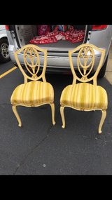 2 antique chairs in very good condition in Fort Campbell, Kentucky