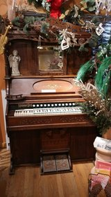 Antique Neiman Brothers Pump Organ in St. Charles, Illinois