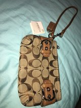 Coach Purse/Wristlet in Quantico, Virginia