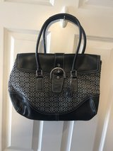 Coach Purse in Glendale Heights, Illinois