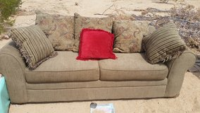 Couch good condition in 29 Palms, California
