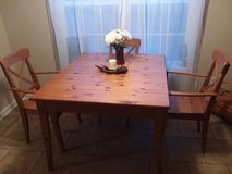 Dining table plus chairs in Bowling Green, Kentucky