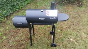 Charbroil  430 Offset Smoker BBQ in Columbus, Georgia