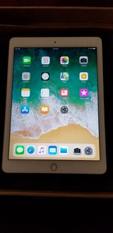 iPad Air 2 Mint condition. in Bolingbrook, Illinois