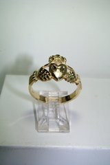 14K Yellow Gold Claddagh Size 10 Unisex Ring 4.612 Grams in Camp Lejeune, North Carolina
