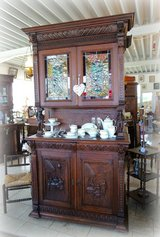 rare Breton hutch with stained glass in Stuttgart, GE