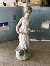 """BEAUTIFUL LLADRO PORCELAIN PRIVILEGE COLLECTION FIGURINE - """"FLOWERS FOR A GODDESS"""" – Retired - 0... in Fort Leonard Wood, Missouri"""
